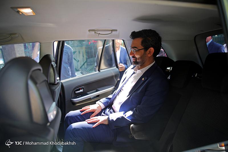 خودروی شاسی بلند وزیر ارتباطات +عکس