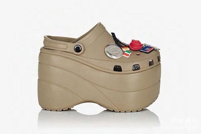کفش پلاستیکی عجیبی که پرفروش شد +عکس