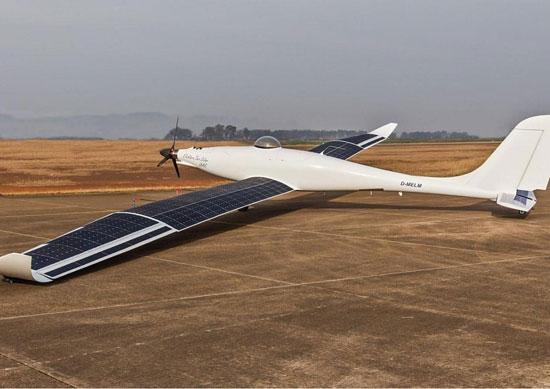 پرواز موفق هواپیمای خورشیدی خودران+عکس