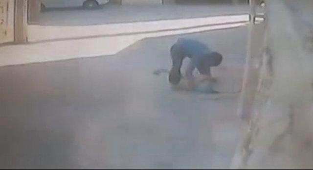 ماجرای فیلم پسری که دختری را به چاه انداخت +عکس