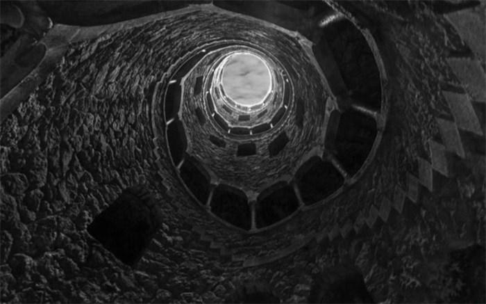 عجیبترین چاه مارپیچی دنیا + عکس