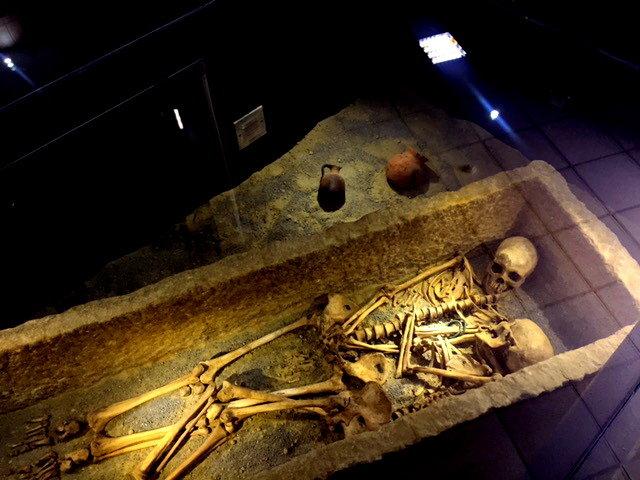 داستان زوج ۱۸۰۰ ساله + عکس