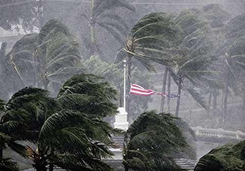 آماده باش ویرجینیا برای مواجهه با خطرناکترین طوفان آمریکا