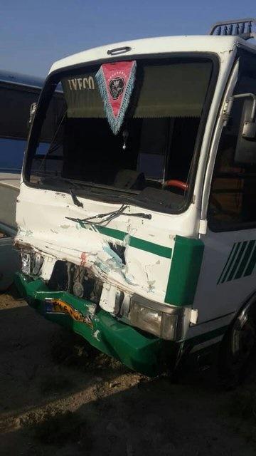 تصادف مرگبار مینیبوس با وانت شهرداری +عکس