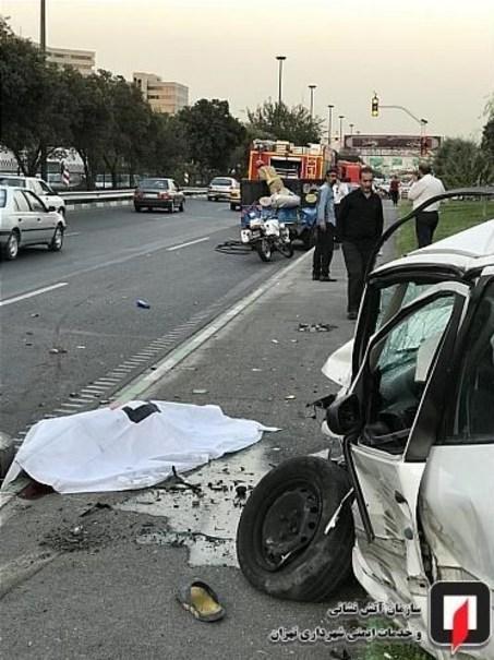 مرگ دلخراش راننده نیسان حین تعویض لاستیک +تصاویر