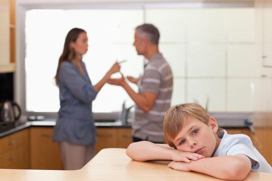 طلاق عاطفی چه بر سر کودکان میآورد؟