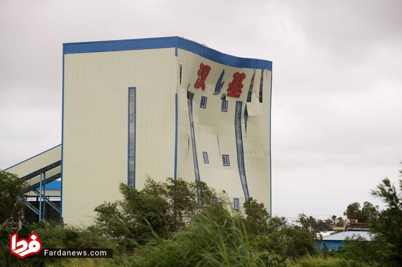 تغییر شکل عجیب ساختمان چینی در طوفان+عکس