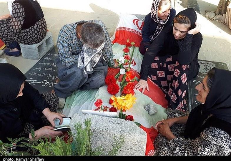 روایت روزهای تنهایی خانواده شهدای حادثه تروریستی مریوان+عکس