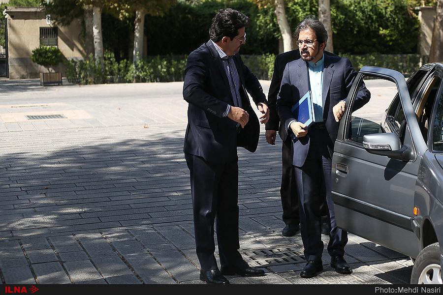 ماشین سخنگوی وزارت خارجه چیست؟+عکس