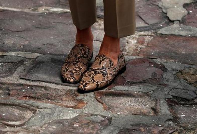 کفشهای همسر رییس جمهور خبرساز شد +عکس