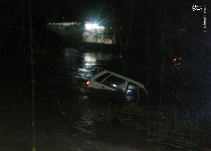 غرقشدن پراید در سیل رودسر+عکس