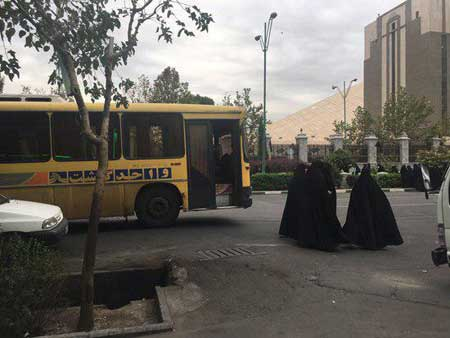 مخالفان CFT مقابل مجلس تجمع کردند+عکس