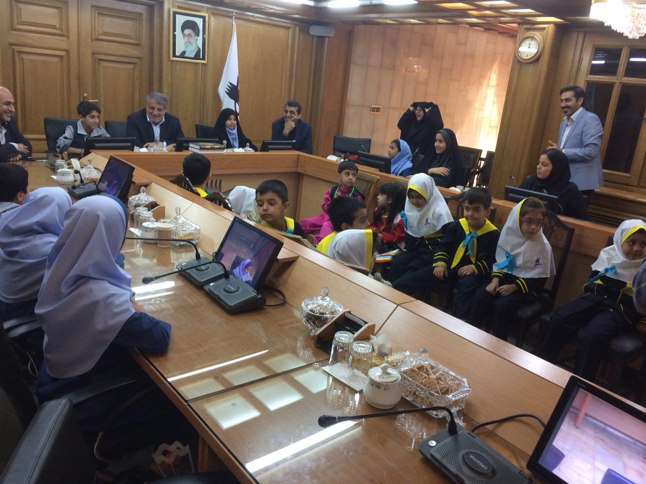 حضور کودکان در شورای شهر تهران + عکس