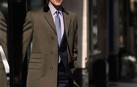 همه آنچه برای خرید پالتو مردانه باید بدانید؛ از سایز تا جنس