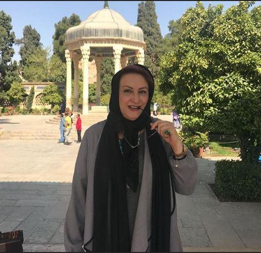 «مریم امیرجلالی» در آرامگاه حافظ+عکس