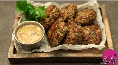 کتلت گوشت با سس قارچ