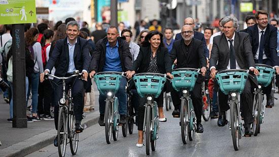 دوچرخهسواری مقامات در پاریس+عکس