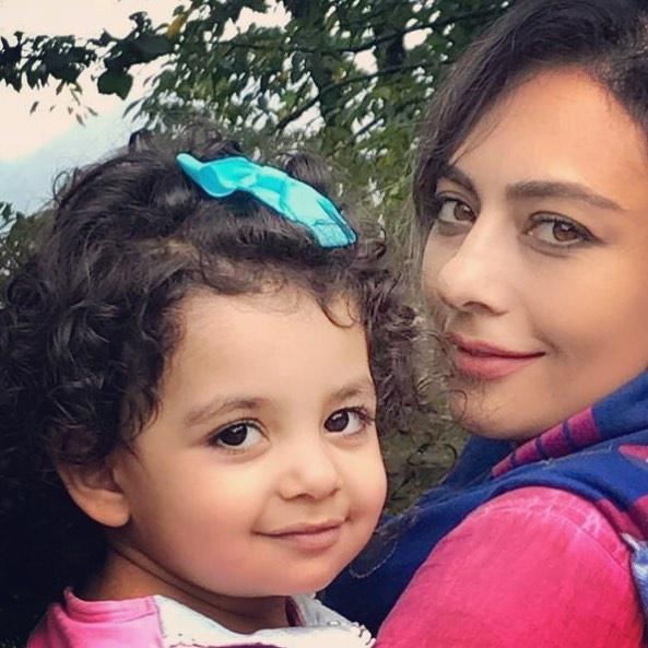 یکتا ناصر در کنار دخترش +عکس