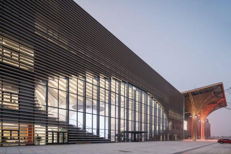 معماری کتابخانهای عجیب با گنجایش بیش از ۱.۲ میلیون کتاب