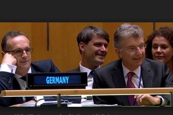 وقتی رهبران جهان به ترامپ خندیدند +عکس
