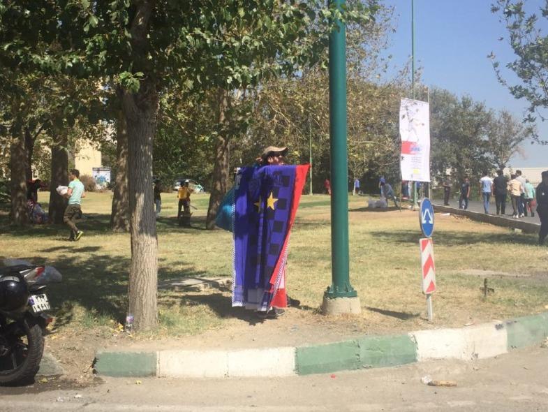 ناکامی چند دختر برای ورود به ورزشگاه آزادی +تصاویر