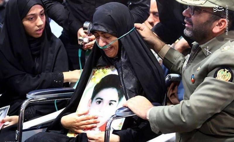تلخترین تصویر از تشییع شهید ۴ ساله اهوازی+عکس