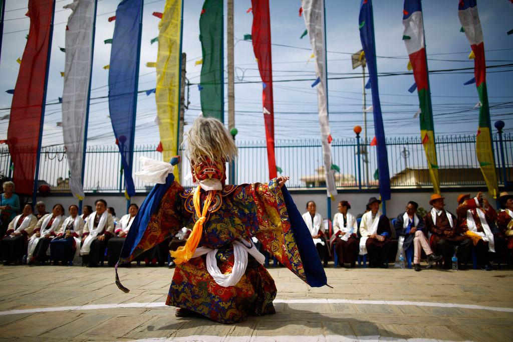 عکس روز نشنال جئوگرافیک؛ رقصنده نقابدار
