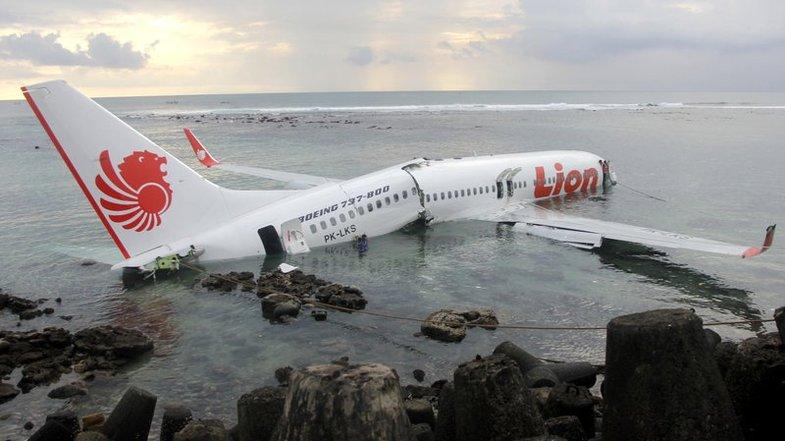 نجات یک نوزاد از سقوط هواپیمای اندونزی واقعیت دارد؟ +تصاویر