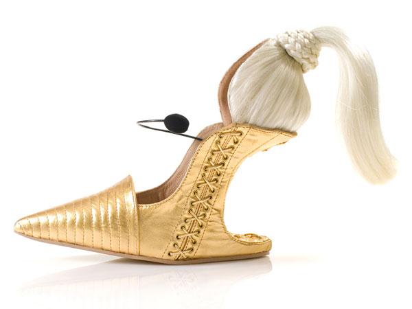 مدل های عجیب و غریب کفش های پاشنه بلند زنانه {hendevaneh.com}{سایتهندوانه} - 204888 314 - مدل های عجیب و غریب کفش های پاشنه بلند زنانه