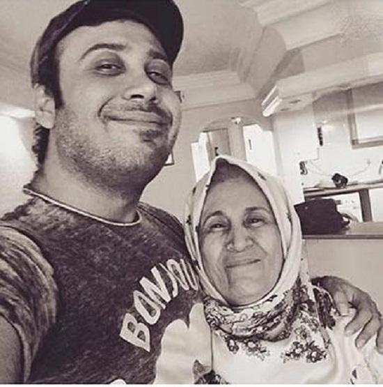 دلتنگی محسن چاوشی برای مادرش+عکس