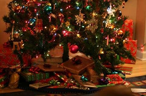 هدیه کریسمس جالب چند همکار به دوست خود