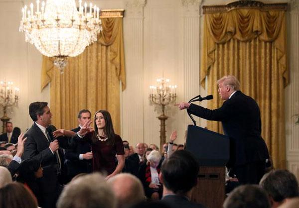 دعوای ترامپ و خبرنگار در میان عکسهای برگزیده+عکس
