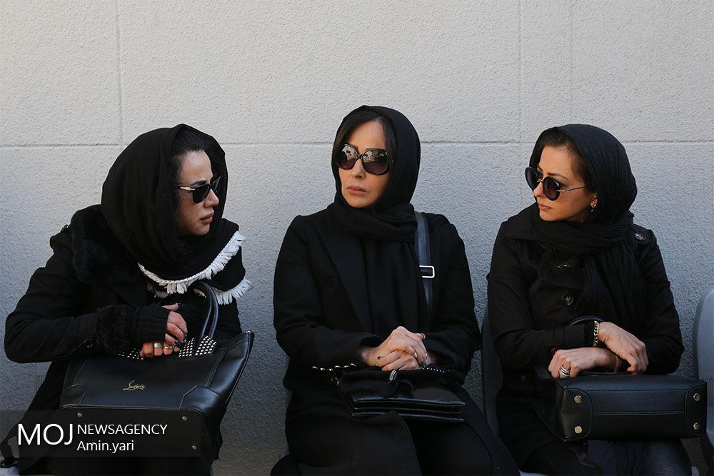 حضور بازیگران در مراسم تشییع پیکر همسر زیبا بروفه