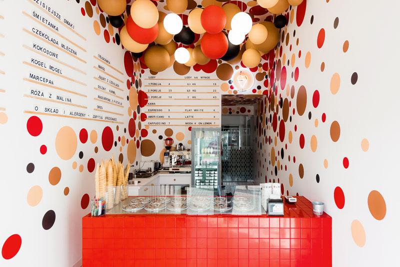 طراحی داخلی کافه بستنی در لهستان