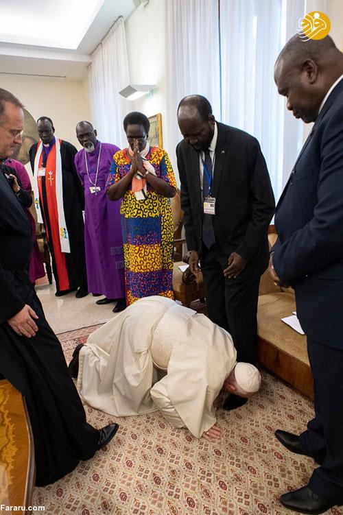 اقدام غیرمنتظره پاپ در برابر رهبران سودان جنوبی+عکس