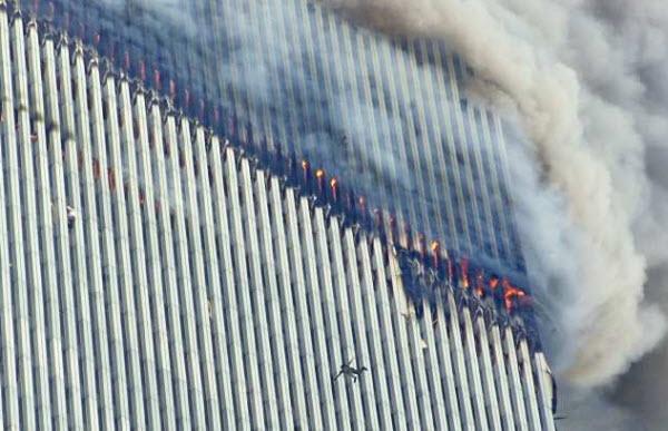 عکسی از حادثه ۱۱ سپتامبر که جاودان شد