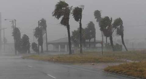 تصاویری مهیج از طوفان مرگبار تگزاس