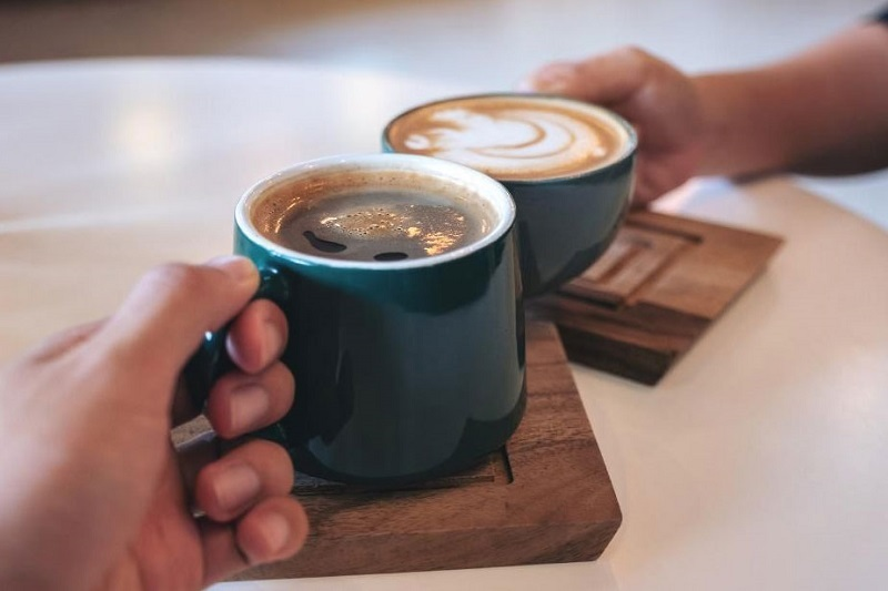 این افراد هرگز قهوه ننوشند