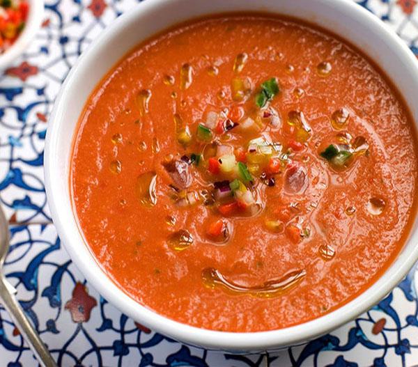 طرز تهیه سوپ سرد سبزیجات فلفلی مرحله به مرحله