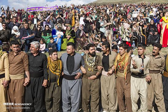 برگزاری «جشن نوروز» در روستاهای کردستان+عکس