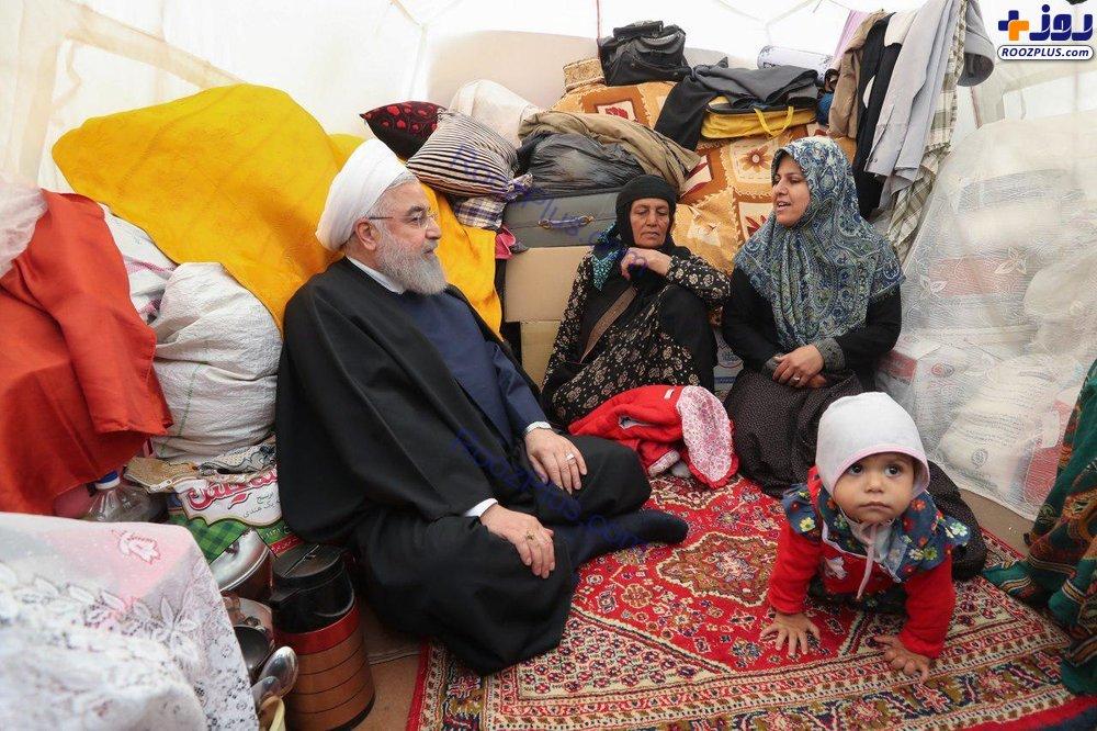 روحانی در چادر سیلزدگان لرستانی +عکس