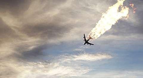 تکه پارههای آتش گرفته هواپیمای اوکراینی در شهریار