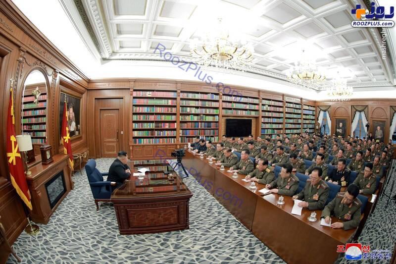 دفتر کار عجیب رهبر کره شمالی +عکس