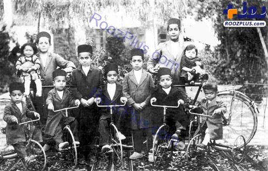 شاهزادگان قجری سوار بر دوچرخه های سوغاتی از فرنگ+عکس