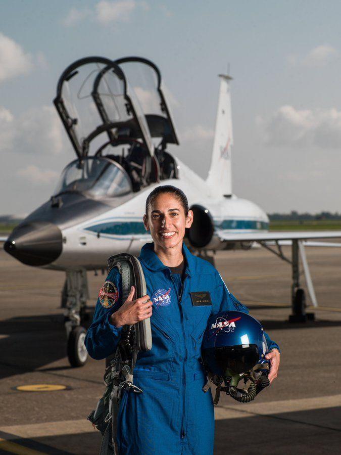 یک زن ایرانی به مریخ میرود؟ + عکس