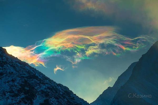تصاویر عجیب از ابرهای رنگینکمانی در سیبری