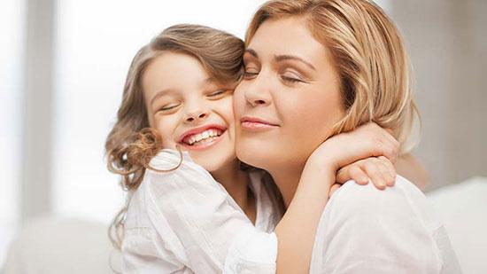۸ دلیل برای بغلکردن عزیزانتان