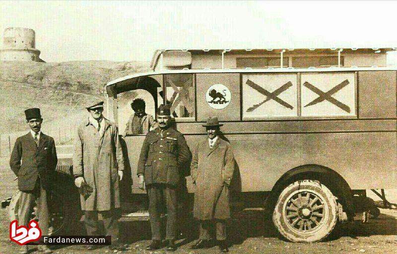 اولین آمبولانس در ایران سال ۱۳۰۶