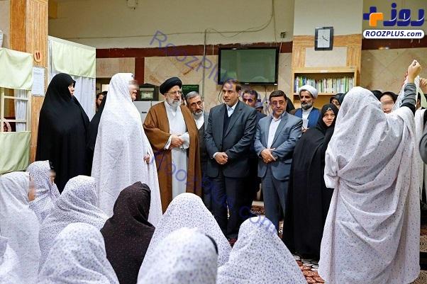 رئیس قوه قضاییه در زندان زنان قرچک + عکس