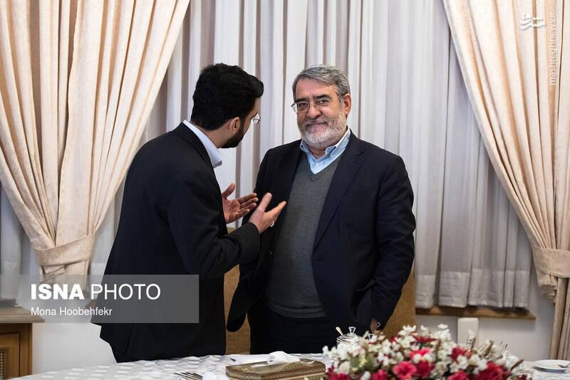 صحبتهای درگوشی وزیر جوان با وزیر کشور سوژه خبرنگاران شد +عکس